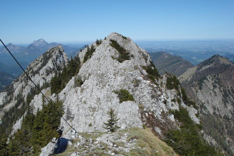 Foto: Günter Siegl / Wander Tour / Kremsmauer (Ausgangsort Steyrling) / Grat Richtung Törl. / 08.05.2011 21:23:30