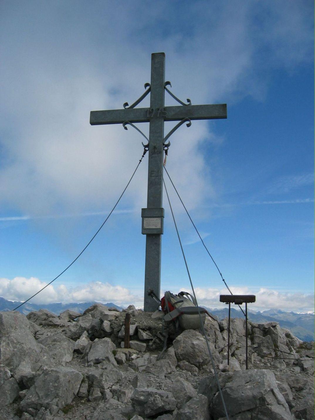 Foto: Gernot Huber / Wander Tour / REISSKOFEL (2.371 m) / Gipfelkreuz Reisskofel / 05.03.2010 18:44:00