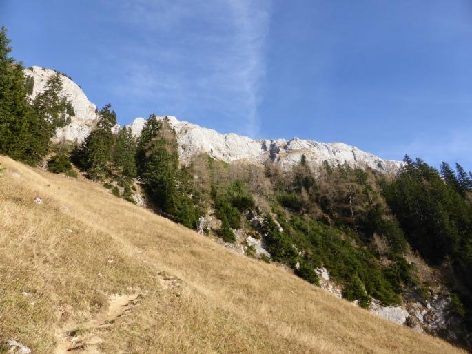 Foto: Manfred Karl / Wander Tour / Brettgabel (1805m) / Blick zu den Wandabstürzen des Hohen Bretts / 26.10.2016 12:21:22