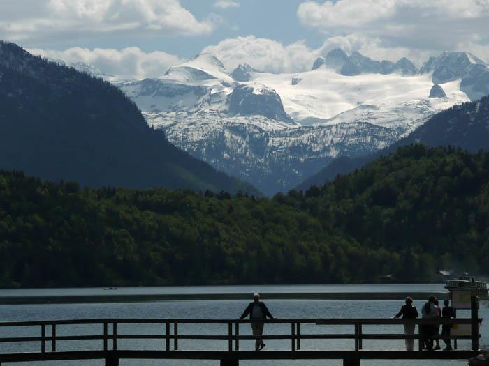 Foto: Lenswork.at / Ch. Streili / Wander Tour / Rund um den Altausseer See / Blick zum Dachsteinmassiv / 15.05.2008 21:24:42