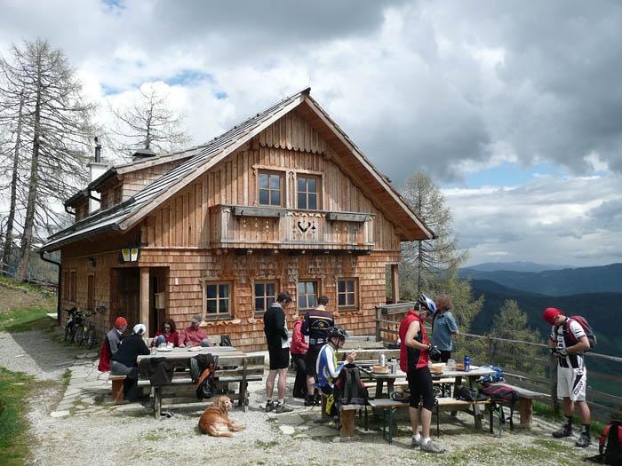 Foto: Lenswork.at / Ch. Streili / Wander Tour / Gummaberg und Kreuzhöhe (2566 m) / Wildbachhütte / 27.05.2008 12:01:24