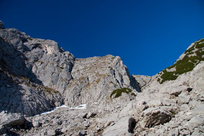 Foto: Rafael Soutschek / Wander Tour / Über die Blaueishütte auf den Hochkalter / Der weg zum Schönen Fleck hinauf. / 17.05.2009 13:08:33