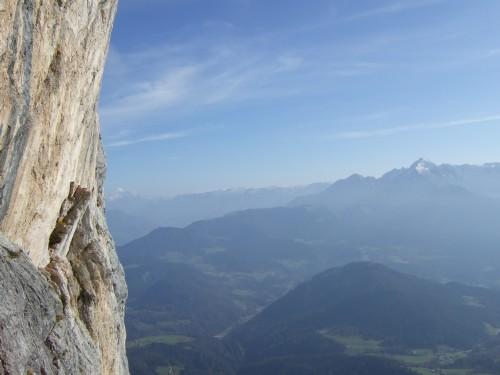Foto: hofchri / Klettersteig Tour / Hochthron-Klettersteig  / links die Untersbergwand / 23.02.2009 19:44:53
