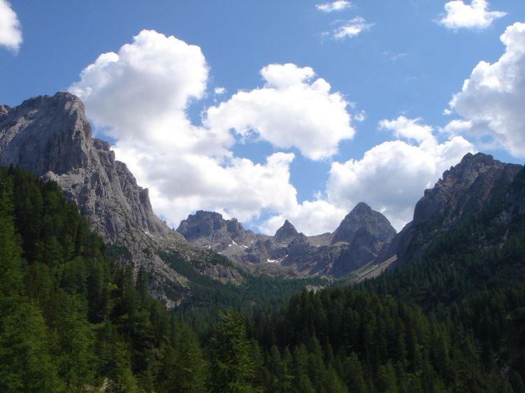 Foto: Manfred Karl / Mountainbike Tour / Über die Dolomitenhütte zur Karlsbader Hütte / Der Laserzkessel / 06.05.2008 19:51:31