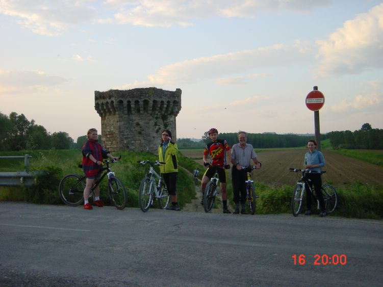 Foto: Manfred Karl / Mountainbiketour / Rund um den Lago di Chiusi / Fotopause / 06.05.2008 19:44:45