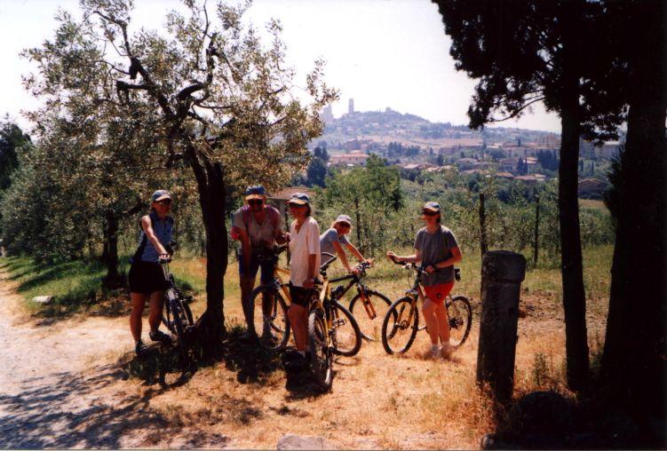 Foto: Manfred Karl / Mountainbike Tour / Von Certaldo nach San Gimignano / Etwas übertrieben: