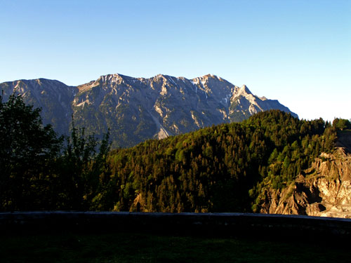 Foto: vince 51 / Wander Tour / Von Forchach auf die Schwarzhanskarspitze / Schwarzhanskarspitze vom Gaichtpass / 06.05.2008 23:05:43