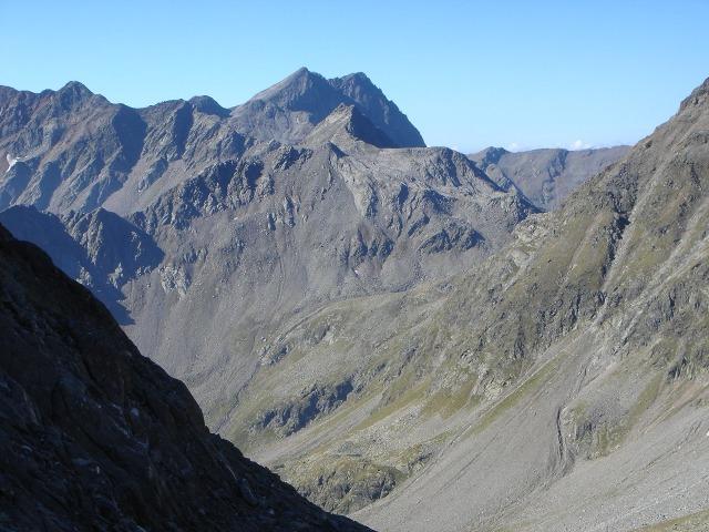Foto: berglerin / Wandertour / Durch das Debanttal auf den Glödis 3206m / Die beiden Prijakte / 01.08.2009 14:43:27