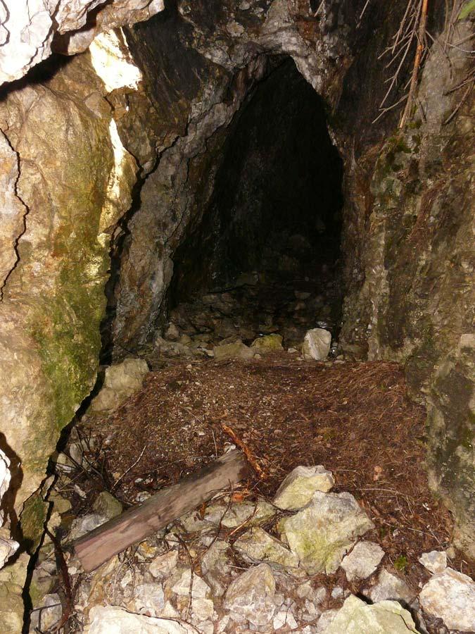 Foto: vince 51 / Wander Tour / Tschirgant / Eingang zu einem alten Bergwerk / 10.07.2009 20:20:00