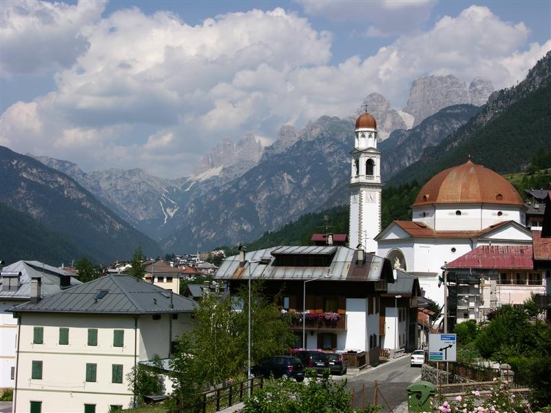 Foto: Bernhard Berger / Rad Tour / Mit dem Rennrad rund um Marmolada, Civetta und Pala / Unterwegs in den Dolomiten III / 22.04.2008 06:34:17