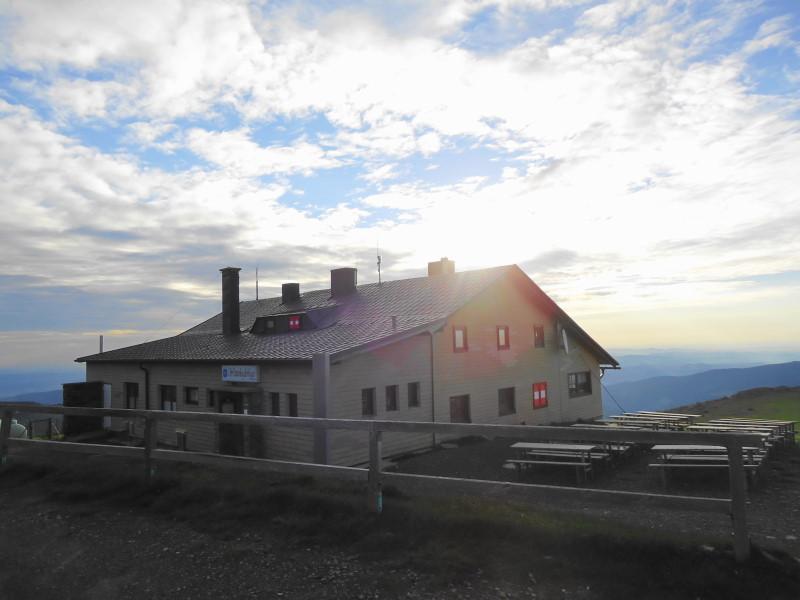 Foto: Günter Siegl / Wander Tour / Durch den Ohrwaschelgraben auf den Hochwechsel / Wetterkoglerhaus / 10.06.2015 14:17:04