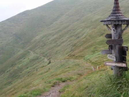 Foto: GeriAut / Mountainbike Tour / Wildkogeltrail / Nach der Pause im Wildkogelhaus - der Einstieg in den Wildkogeltrail / 28.07.2011 20:56:12