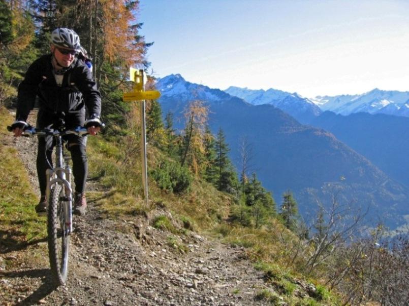 Foto: forstpointler / Mountainbike Tour / Wildkogeltrail / eine von vielen Spitzkehren / 11.09.2009 14:45:59