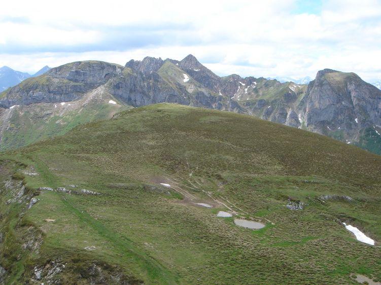 Foto: Manfred Karl / Wander Tour / Höllwand / Der breite Kamm südlich des Schiedreitspitz / 03.06.2008 15:13:46
