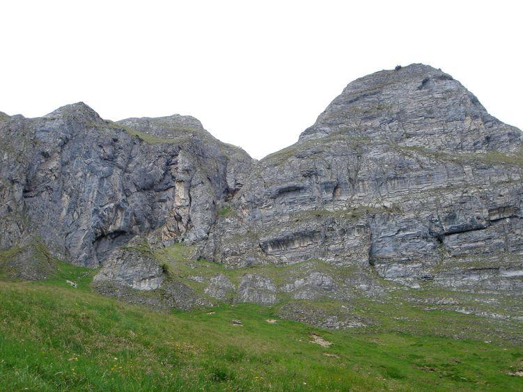 Foto: Manfred Karl / Wander Tour / Höllwand / Querung unterhalb der Steilabstürze der Höllwand zur Viehhausalm / 03.06.2008 14:55:44