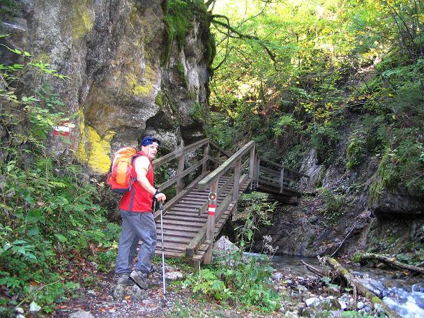 Foto: Andreas Koller / Klettersteig Tour / Hochturm - Nordflankensteig (2088 m) / Im klammartigen Abschnitt des Hainsch Baches / 18.09.2007 01:30:01