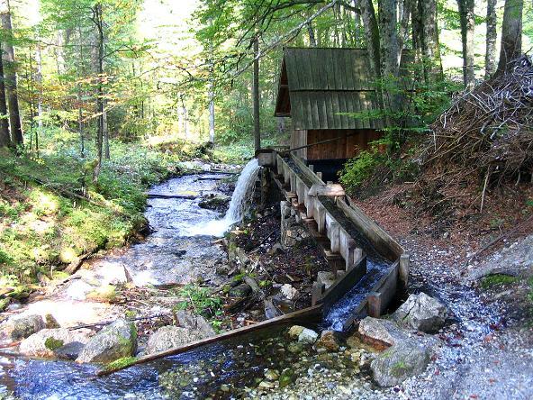 Foto: Andreas Koller / Klettersteig Tour / Hochturm - Nordflankensteig (2088 m) / Schaumühle am Anstiegsweg durch den Hainsch Graben / 18.09.2007 01:29:12