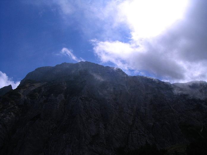 Foto: Andreas Koller / Klettersteig Tour / Hochturm - Nordflankensteig (2088 m) / Der Hochturm / 18.09.2007 01:25:13