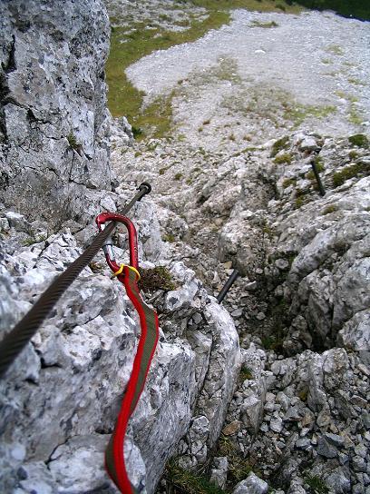 Foto: Andreas Koller / Klettersteig Tour / Hochturm - Nordflankensteig (2088 m) / Eingehängt an den steilsten Stellen / 18.09.2007 01:21:16