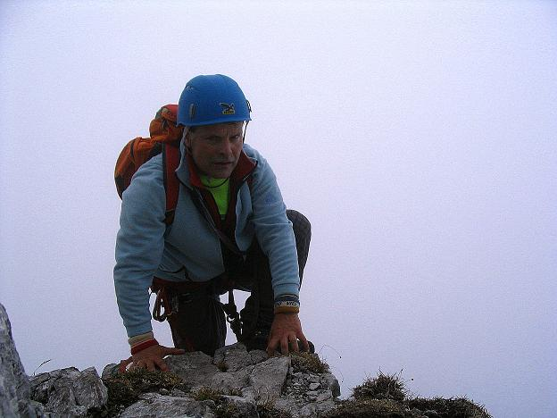 Foto: Andreas Koller / Klettersteig Tour / Hochturm - Nordflankensteig (2088 m) / Am Grat mit Stellen I / 18.09.2007 01:19:01