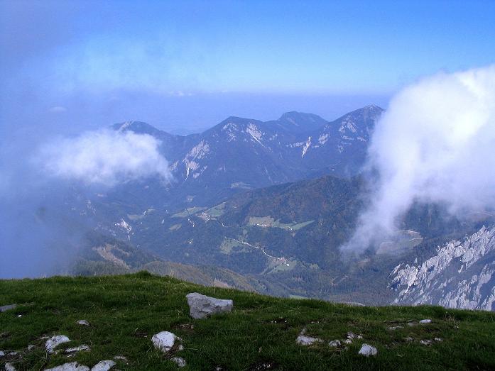 Foto: Andreas Koller / Klettersteig Tour / Hochturm - Nordflankensteig (2088 m) / Blick nach N / 18.09.2007 01:17:09