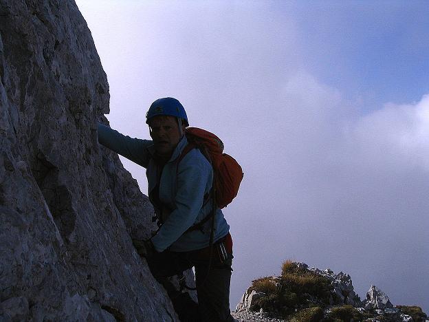 Foto: Andreas Koller / Klettersteig Tour / Hochturm - Nordflankensteig (2088 m) / Steilere Felspassage / 18.09.2007 01:09:46