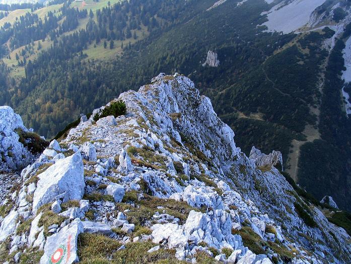 Foto: Andreas Koller / Klettersteig Tour / Hochturm - Nordflankensteig (2088 m) / Der Gratabschnitt / 18.09.2007 01:08:45