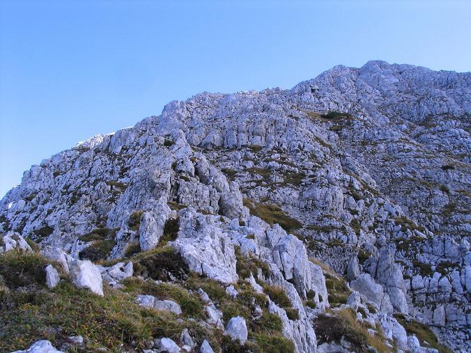 Foto: Andreas Koller / Klettersteig Tour / Hochturm - Nordflankensteig (2088 m) / Der Gipfelaufbau des Hochturm / 18.09.2007 01:08:20
