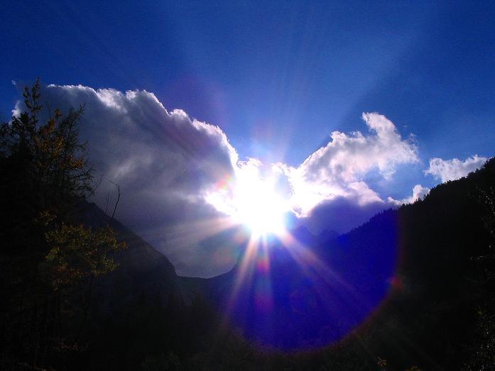 Foto: Andreas Koller / Klettersteig Tour / Hochturm - Nordflankensteig (2088 m) / Sonne über dem Hainsch Sattel / 18.09.2007 01:03:24