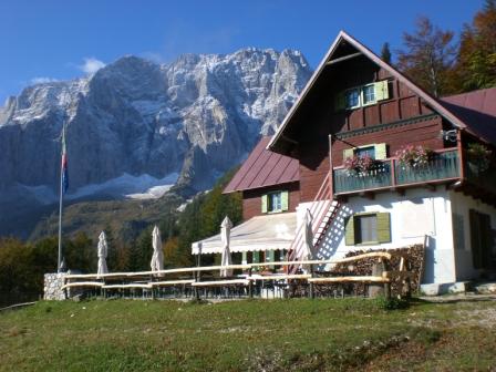 Foto: dobratsch11 / Wander Tour / Jof di Miezegnot (Mittagskofel) 2087m / Rif. Grego und Montasch / 24.09.2007 16:55:58