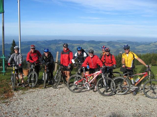 Foto: Jürgen Lindlbauer / Mountainbike Tour / Von Reichraming über das Aueralmbachtal auf die Hohe Dirn / Kurz vor der Abfahrt von der Anton Schosser Hütte / 25.09.2007 12:58:25