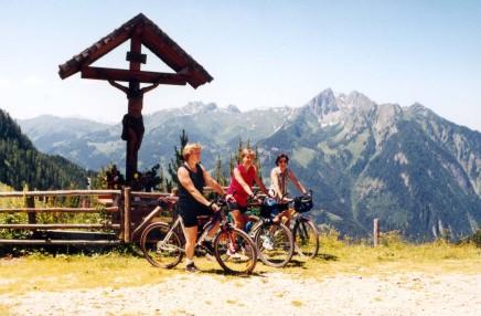 Foto: Kloiber Gabi / Mountainbike Tour / Mountainbikestrecke - Maurachalm-Unterwandalm  / Mountainbiker Maurachalm  / 26.09.2007 14:52:40
