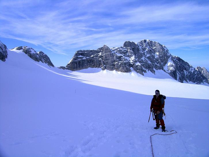 Foto: Andreas Koller / Wander Tour / Über die Steinerscharte zur Adamekhütte (2721 m) / Am Hallstätter Gletscher gegen die Steiner Scharte / 28.09.2007 19:16:41