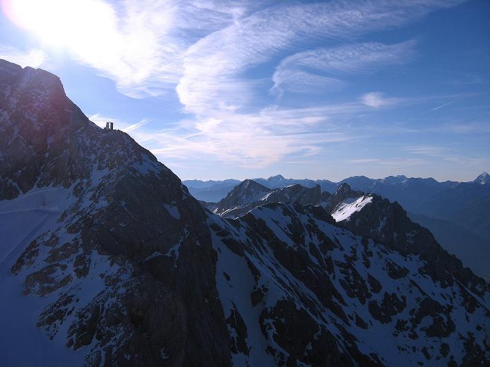 Foto: Andreas Koller / Klettersteig Tour / Westgrat Koppenkarstein neu (2865 m) / Blick über den Ansatz des W-Grates und die Hunerscharte in die Niederen Tauern / 28.09.2007 20:02:04