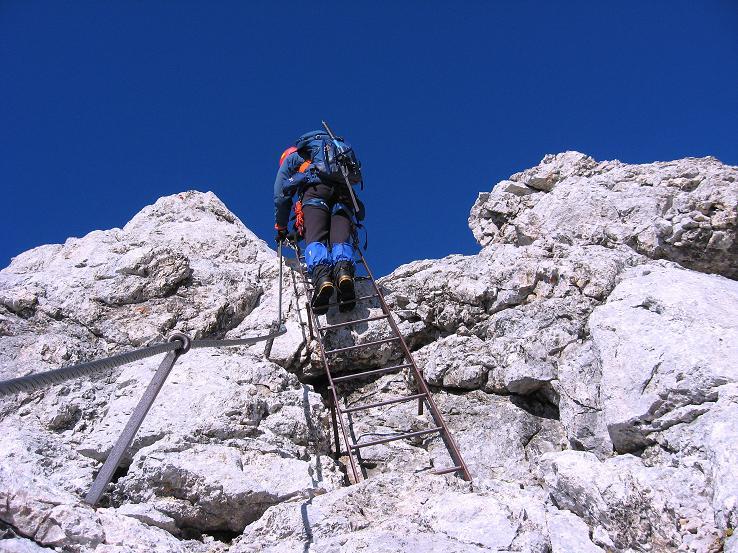 Foto: Andreas Koller / Klettersteig Tour / Westgrat Koppenkarstein neu (2865 m) / Steile Passagen sind mit Leitern gesichert / 28.09.2007 19:57:33