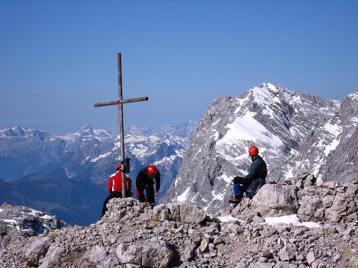 Foto: Andreas Koller / Klettersteig Tour / Westgrat Koppenkarstein neu (2865 m) / Tolle Fernsicht vom Großen Koppenkarstein auf den Hohen Dachstein (2996 m), die Watzmann-Ostwand (2713 m) und das Steinerne Meer / 28.09.2007 19:51:04