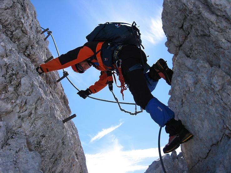 Foto: Andreas Koller / Klettersteig Tour / Westgrat Koppenkarstein neu (2865 m) / Senkrechte Passage am W-Grat / 28.09.2007 19:45:55