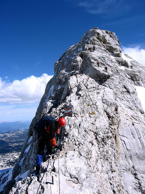 Foto: Andreas Koller / Klettersteig Tour / Westgrat Koppenkarstein neu (2865 m) / Abstieg am schmalen W-Grat über der Hunerscharte / 28.09.2007 19:43:50