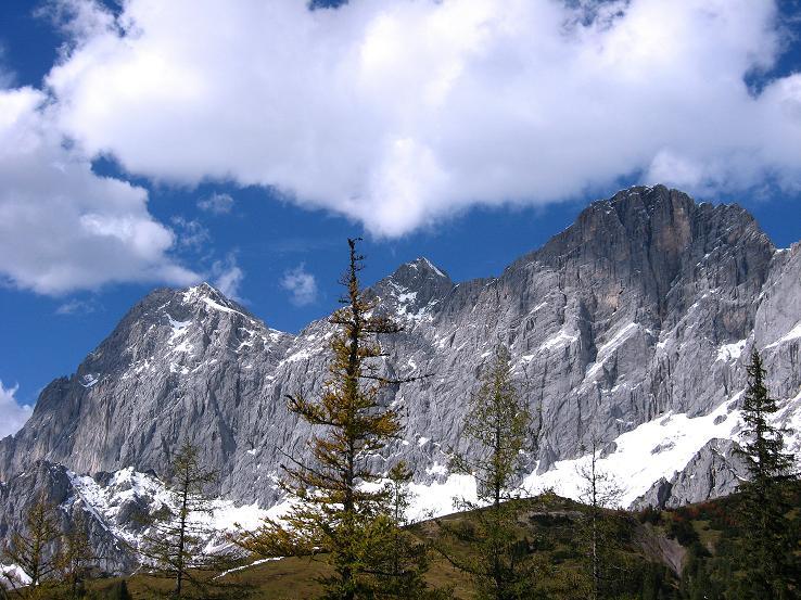 Foto: Andreas Koller / Klettersteig Tour / Westgrat Koppenkarstein neu (2865 m) / Ein letzter Blick auf die Dachstein-Südwand (2996 m)  / 28.09.2007 19:41:46