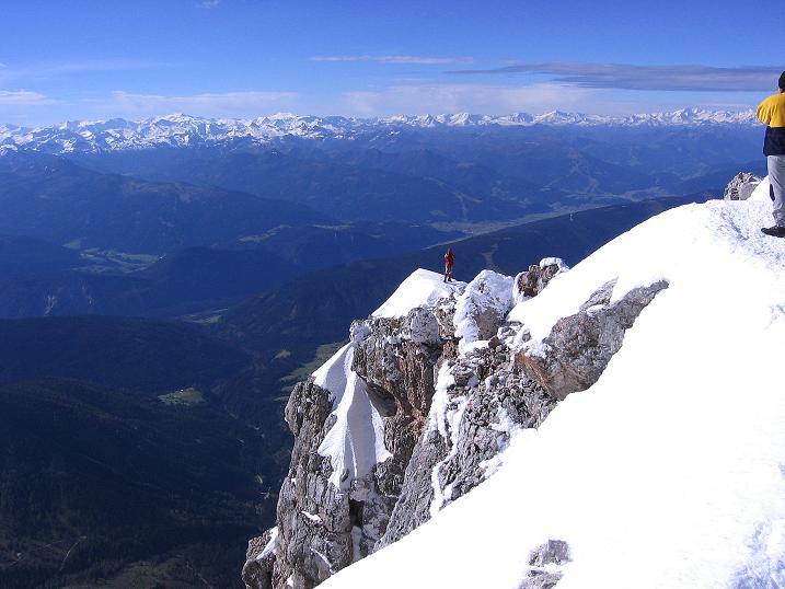 Foto: Andreas Koller / Wander Tour / Hoher Dachstein und Windlegerscharte (2996 m) / Der W-Grat vom Dachstein-Gipfel / 01.10.2007 19:36:08