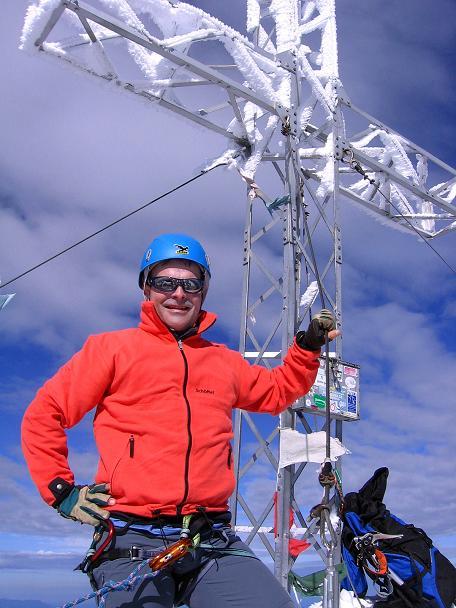 Foto: Andreas Koller / Wander Tour / Hoher Dachstein und Windlegerscharte (2996 m) / Am Dachstein-Gipfel / 01.10.2007 19:35:32