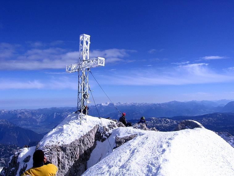 Foto: Andreas Koller / Wander Tour / Hoher Dachstein und Windlegerscharte (2996 m) / Gipfelkreuz am Dachstein / 01.10.2007 19:35:15