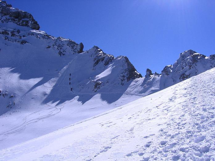 Foto: Andreas Koller / Wander Tour / Hoher Dachstein und Windlegerscharte (2996 m) / Der Ansatz des Westgrates vom Gosaugletscher / 01.10.2007 19:33:37