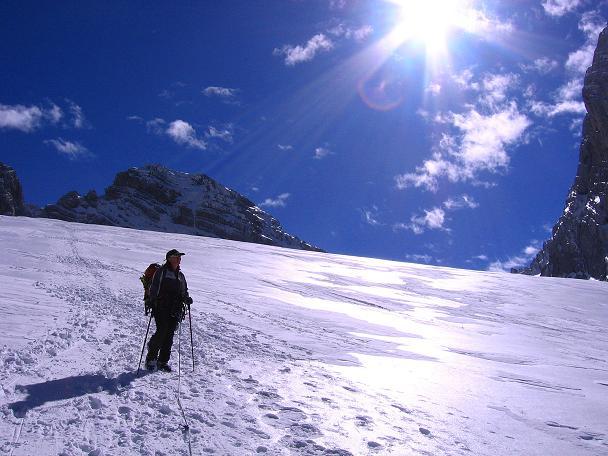 Foto: Andreas Koller / Wander Tour / Hoher Dachstein und Windlegerscharte (2996 m) / Am Gosau Gletscher gegen Hohen Dachstein / 01.10.2007 19:32:43