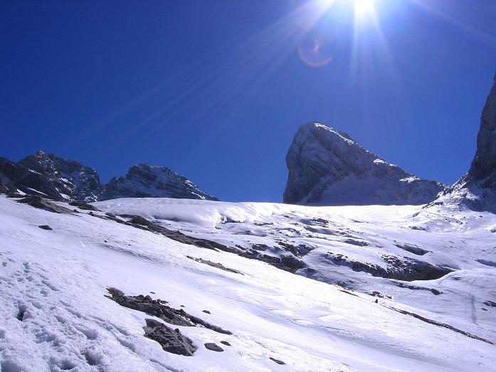 Foto: Andreas Koller / Wander Tour / Hoher Dachstein und Windlegerscharte (2996 m) / Blick über den Gosau Gletscher zum Mitterspitz (2927 m) und Hohen Dachstein / 01.10.2007 19:30:35