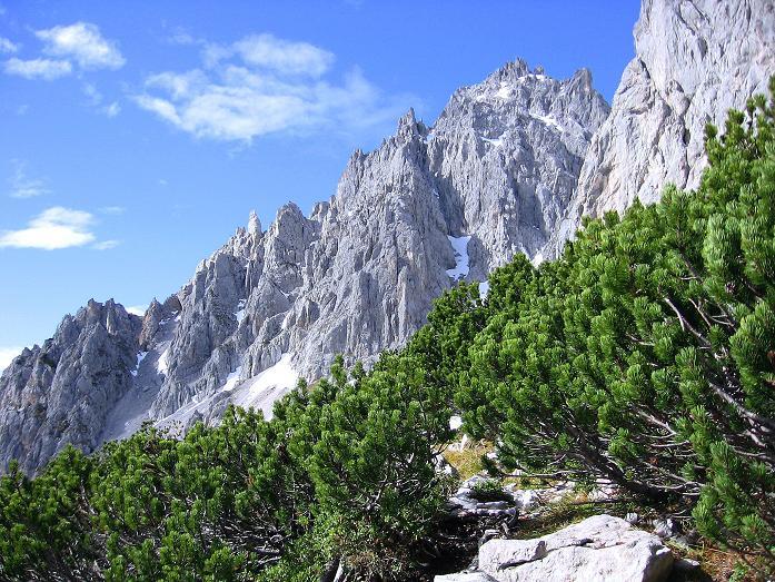 Foto: Andreas Koller / Wander Tour / Hoher Dachstein und Windlegerscharte (2996 m) / Blick zurück zum Windlegerkar / 01.10.2007 19:27:17