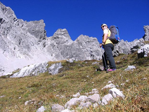 Foto: Andreas Koller / Klettersteig Tour / Steinsee Klettersteig (2650 m) / Aufstieg ins Klettergebiet / 09.10.2007 01:52:54