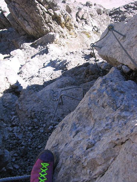 Foto: Andreas Koller / Klettersteig Tour / Steinsee Klettersteig (2650 m) / Tiefblick vom Steig / 09.10.2007 01:49:25