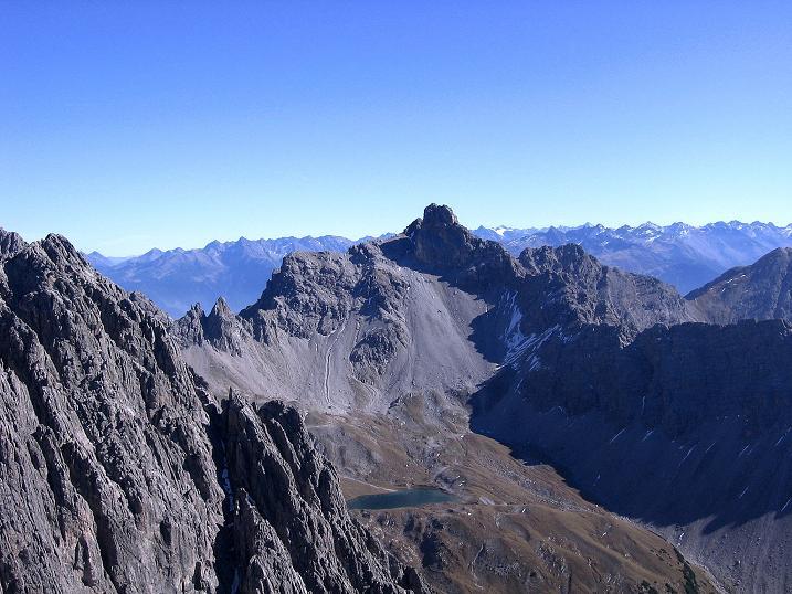 Foto: Andreas Koller / Klettersteig Tour / Steinsee Klettersteig (2650 m) / Blick zum Steinsee und dem Bergwerkskopf (2728 m) / 09.10.2007 01:44:04
