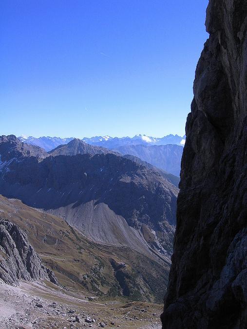 Foto: Andreas Koller / Klettersteig Tour / Steinsee Klettersteig (2650 m) / Blick aus der Schlucht nach S in die Ötztaler Alpen / 09.10.2007 01:40:06